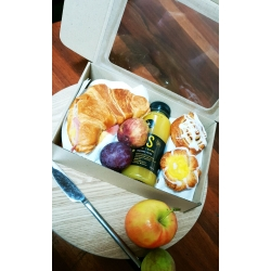 Medium Lunch Box with Clear Window